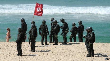 pre sal beach police