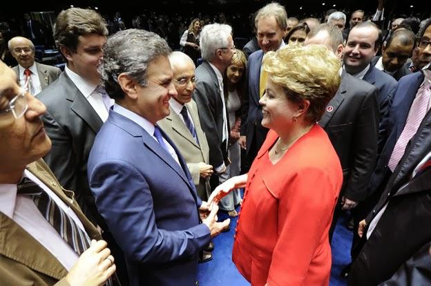 Aecio-com-Dilma-no-Congresso-dez-2013